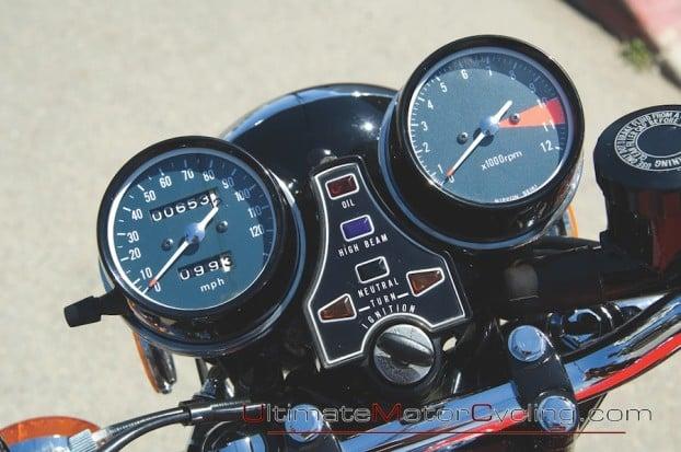 1975_Honda_CB400F_Super_Sport 3