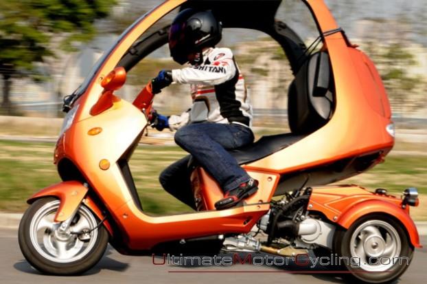 2010_Auto_Moto_Scooter 4