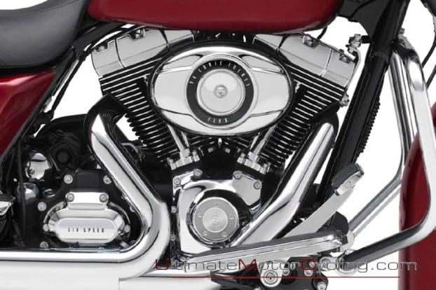 2010_Harley-Davidson_Street_Glide 1