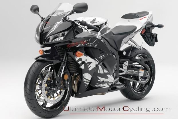 2010_Honda_CBR600RR_Motorcycle 3