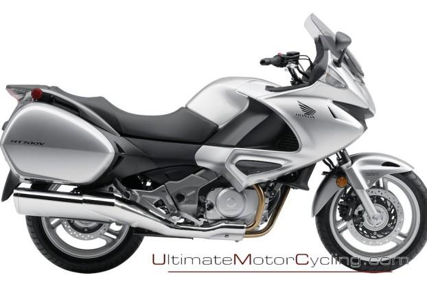 2010_Honda_NT700V_Motorcycle 2