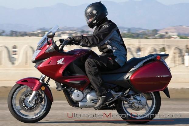 2010_Honda_NT700V_Motorcycle 3