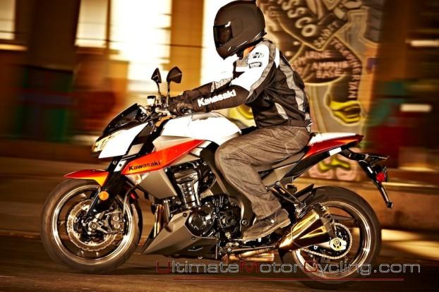 2010_Kawasaki_Z1000 6