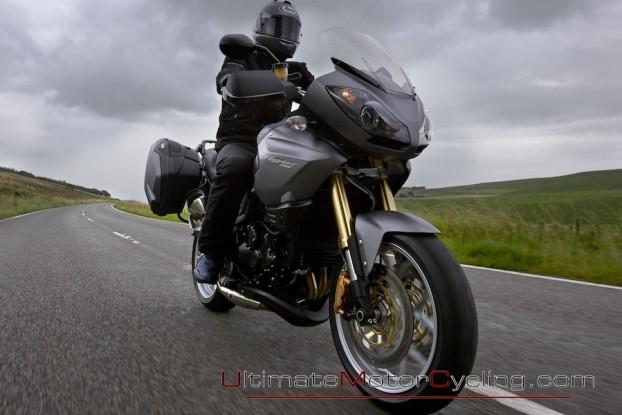 2010_Triumph_Tiger_SE 2