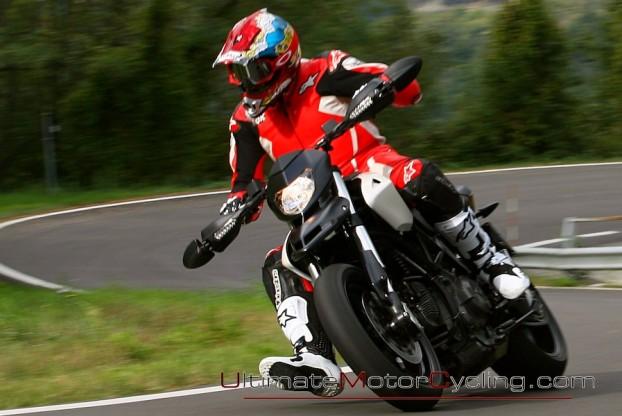 2010_Ducati_796_Hypermotard 5