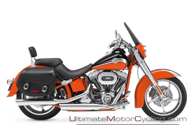 2010_Harley-Davidson_CVO_Softail_Convertible 3