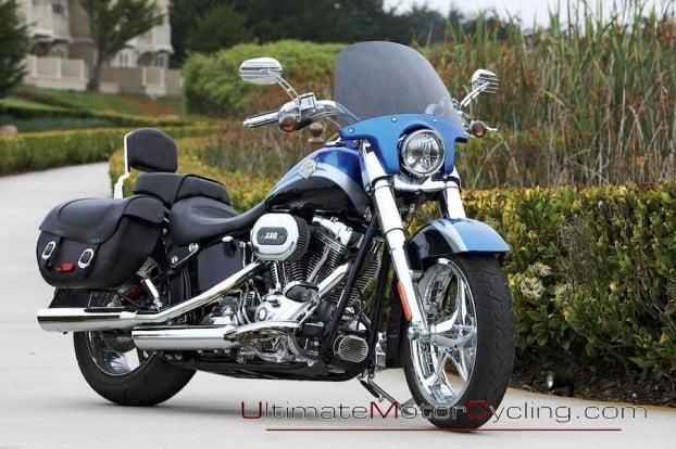 2010_Harley-Davidson_CVO_Softail_Convertible 4