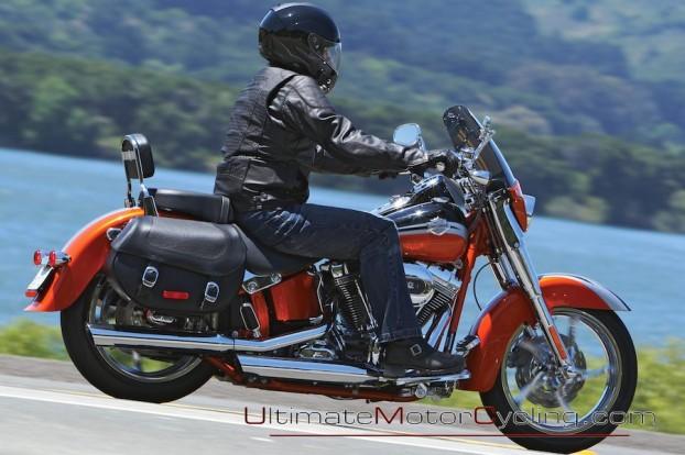 2010_Harley-Davidson_CVO_Softail_Convertible 5