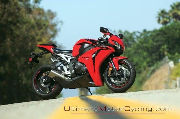 2010_Honda_CBR1000RR_C-ABS 4