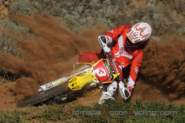 2010_Suzuki_Racing_Team 1