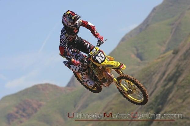 2010_Suzuki_Racing_Team 2