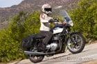 2010_Triumph_Bonneville_SE_Touring_Edition 3