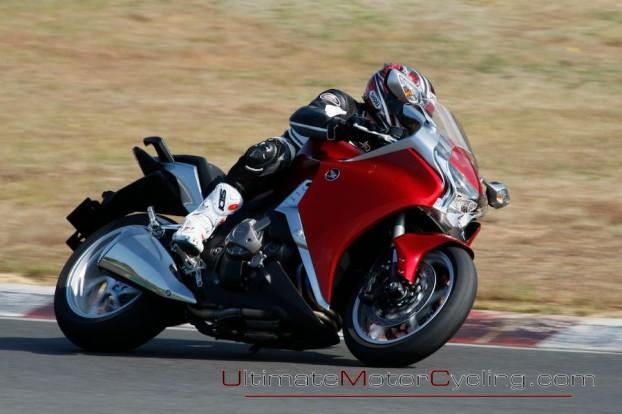 2010-Honda-VFR1200F-Test 2