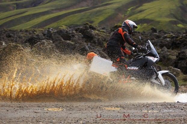 2010-KTM-990-Adventure-Wallpaper 4