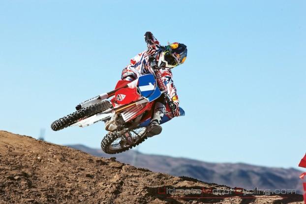 2010_Ashley_Fiolek_Motocross_Wallpaper 2