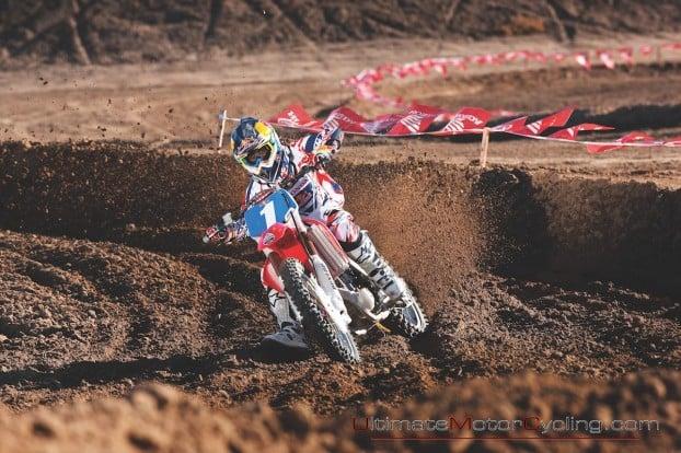 2010_Ashley_Fiolek_Motocross_Wallpaper 5
