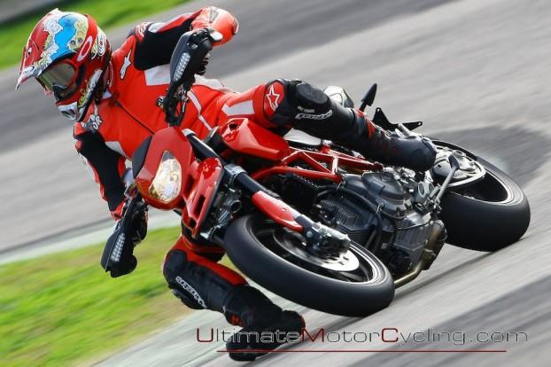 2010_Ducati_Hypermotard_1100_EVO_SP 3