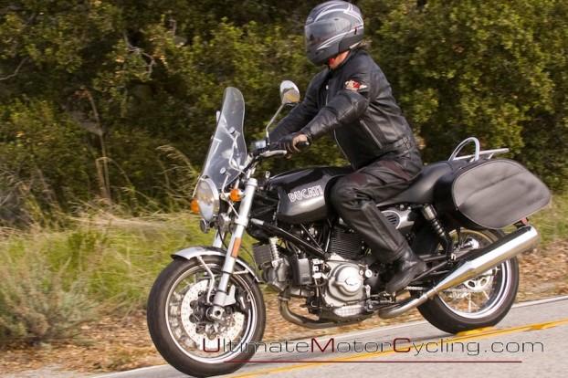 2010_Ducati_SportClassic_GT_1000  5