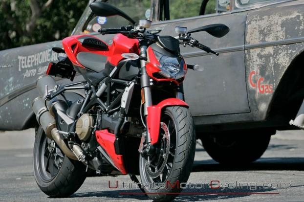 2010_Ducati_Streetfighter 1