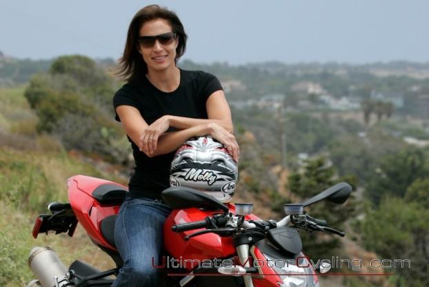 2010_Ducati_Streetfighter 3