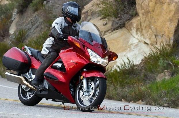 2010_Honda_ST1300_ABS  1