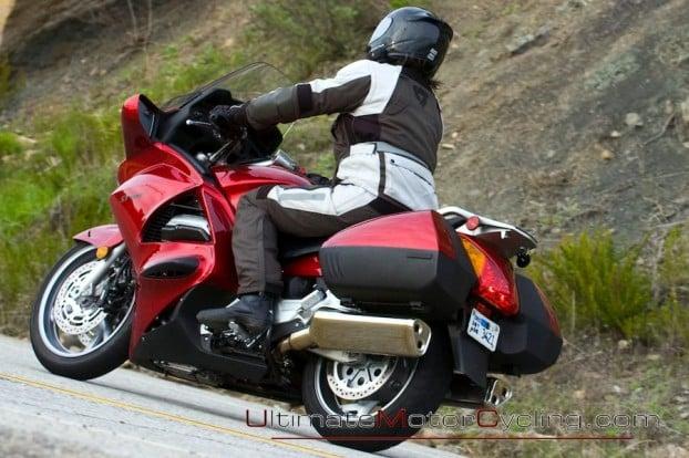 2010_Honda_ST1300_ABS  4