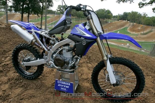 2010_Yamaha_YZ450F_Motorcycle 1