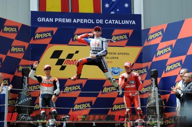 2010-motogp-catalunya-jorge-lorenzo-captures-spanish-hearts 4