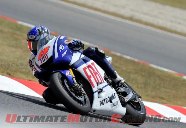 2010-motogp-grid-the-rossi-m1-with-yoshikawa 4