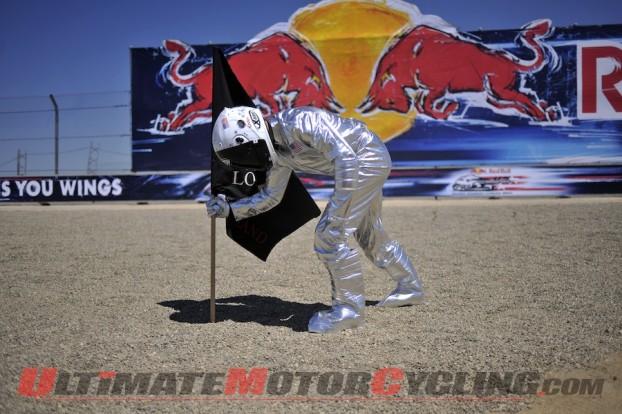 2010-jorge-lorenzo-land-stakes-motogp-claim 5