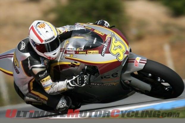 2010-moto2-qualifying-tomizawa-on-pole 4
