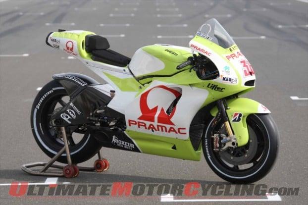 2010-checa-grabs-kallio-ducati-motogp-seat 5