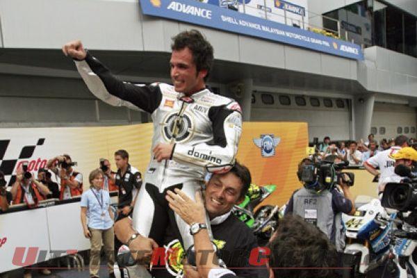2010-malaysia-moto2-toni-elias-title-report 5
