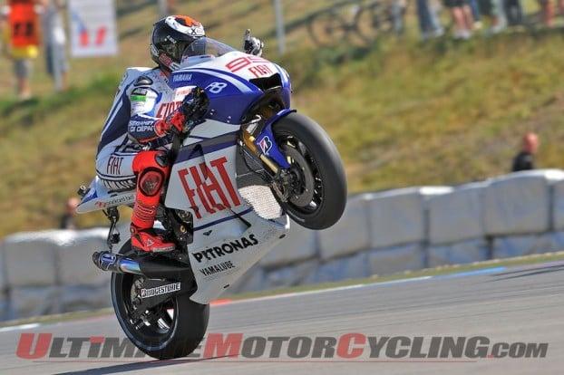 2010-yamaha-lorenzo-renews-motogp-contract 4