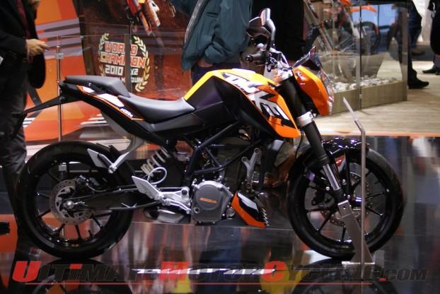 2011-ktm-125-duke 1