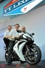 2010-iom-tt-stars-spark-uk-motorcycle-show 1