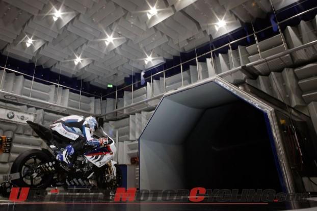 2010-superbike-bmw-motorrad-wind-tunnel-prep 5