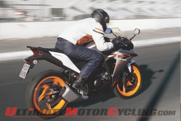 2011-honda-cbr125r-preview 4