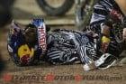 2011-james-stewart-jacksonville-supercross-crash 5