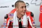 2011-motogp-valentino-rossi-endorses-oakley 3