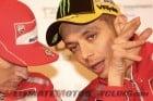 2011-motogp-valentino-rossi-endorses-oakley 4