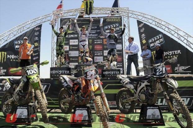 2011-pirelli-podium-at-la-baneza-fim-motocross 3