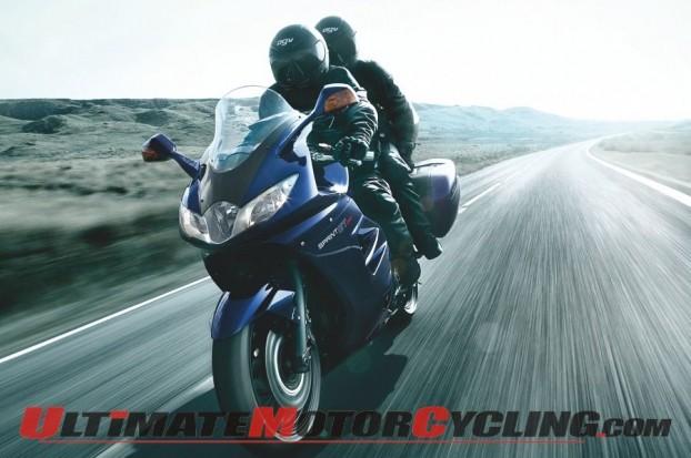 2011-triumph-sprint-gt-quick-look 2