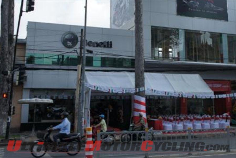 2012-benelli-opens-concept-showroom-in-saigon 1