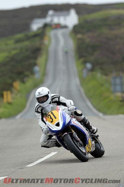 2012-simpson-wins-senior-manx-grand-prix-on-triumph 3
