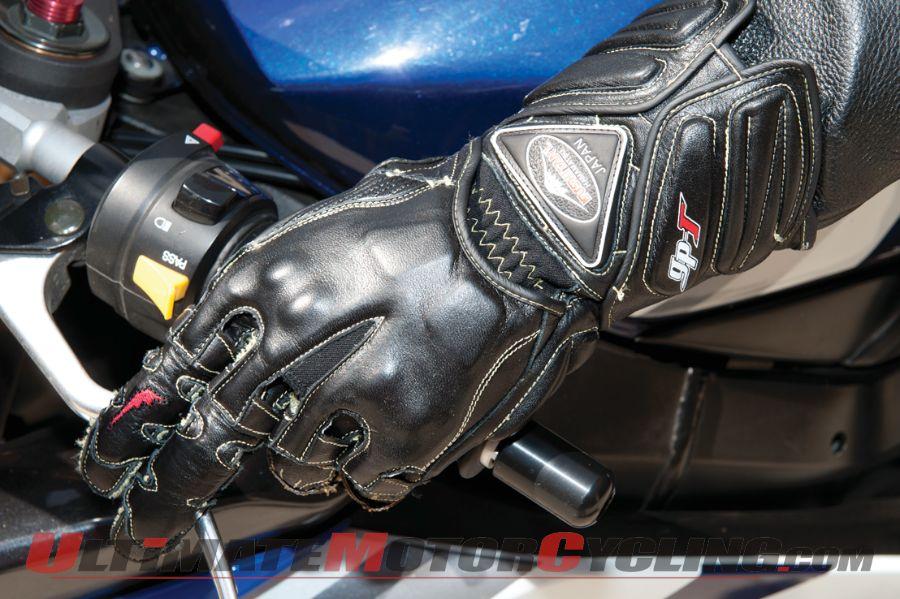 2012-kushitani-gpr6-gloves-quickshift-review (1)
