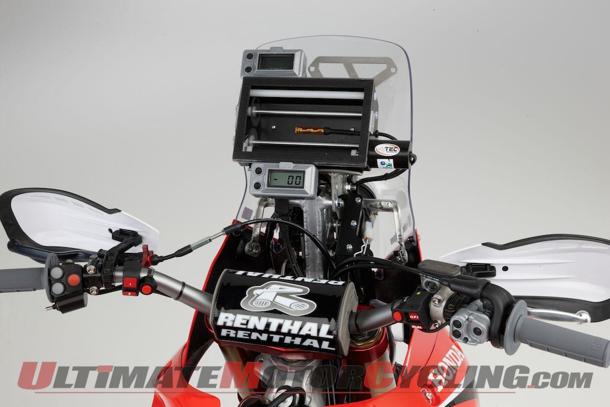 2012-honda-crf450-rally-studio-wallpaper 3