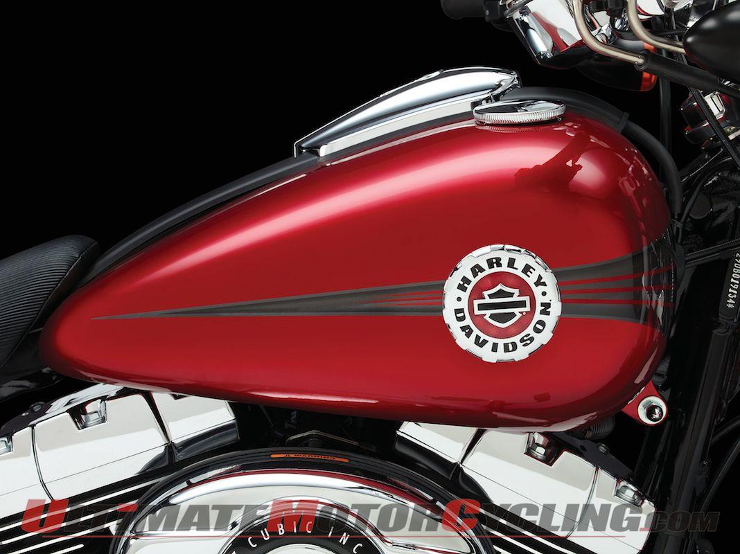 2013 Harley-Davidson Breakout | Studio Photo Gallery