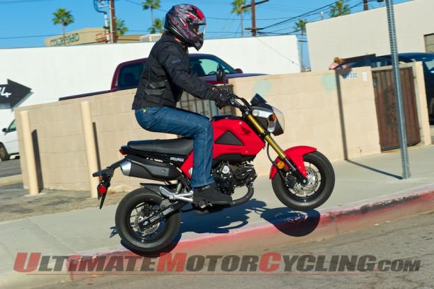 2014-Honda-Grom-jump