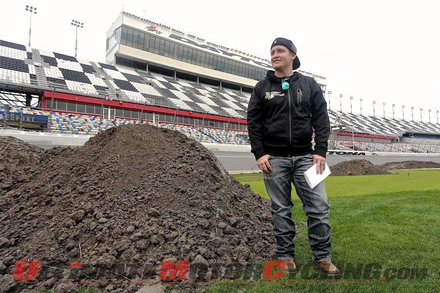 2014 Daytona Supercross   Carmichael Visits as Construction Begins